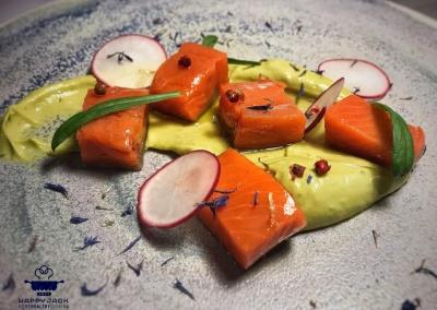 salmone-sockeye-avocado-happy-jack-chef