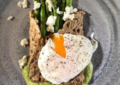 uovo-in-camicia-asparagi-happy-jack-chef